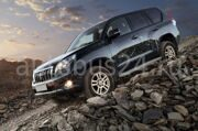 Прокат Toyota Land Cruiser Prado (Тайота Ленд Крузер Прадо) тёмно-синего цвета в Красноярске